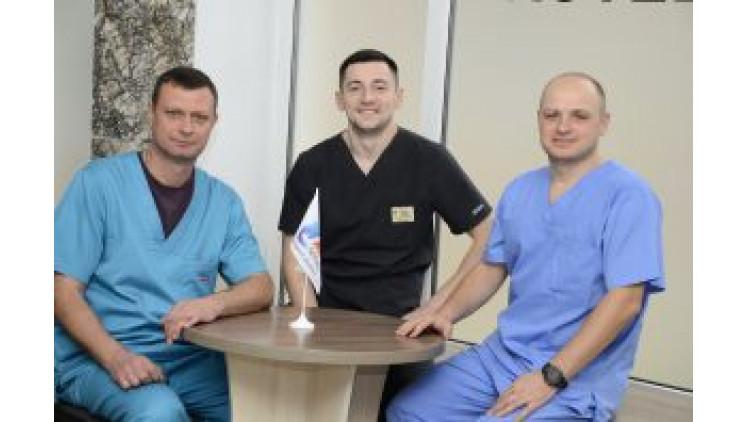 Проведено трансплантацію нирки